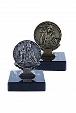 BRK-WW-Medaille auf Marmorsockel in bronze oder silber